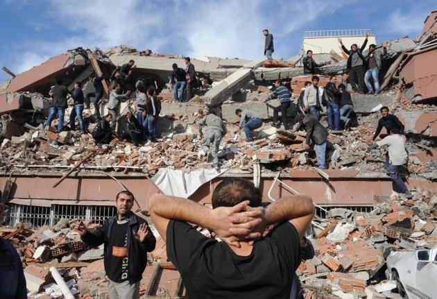 Gempa bumi Turki 2011 skala 7.2 richter