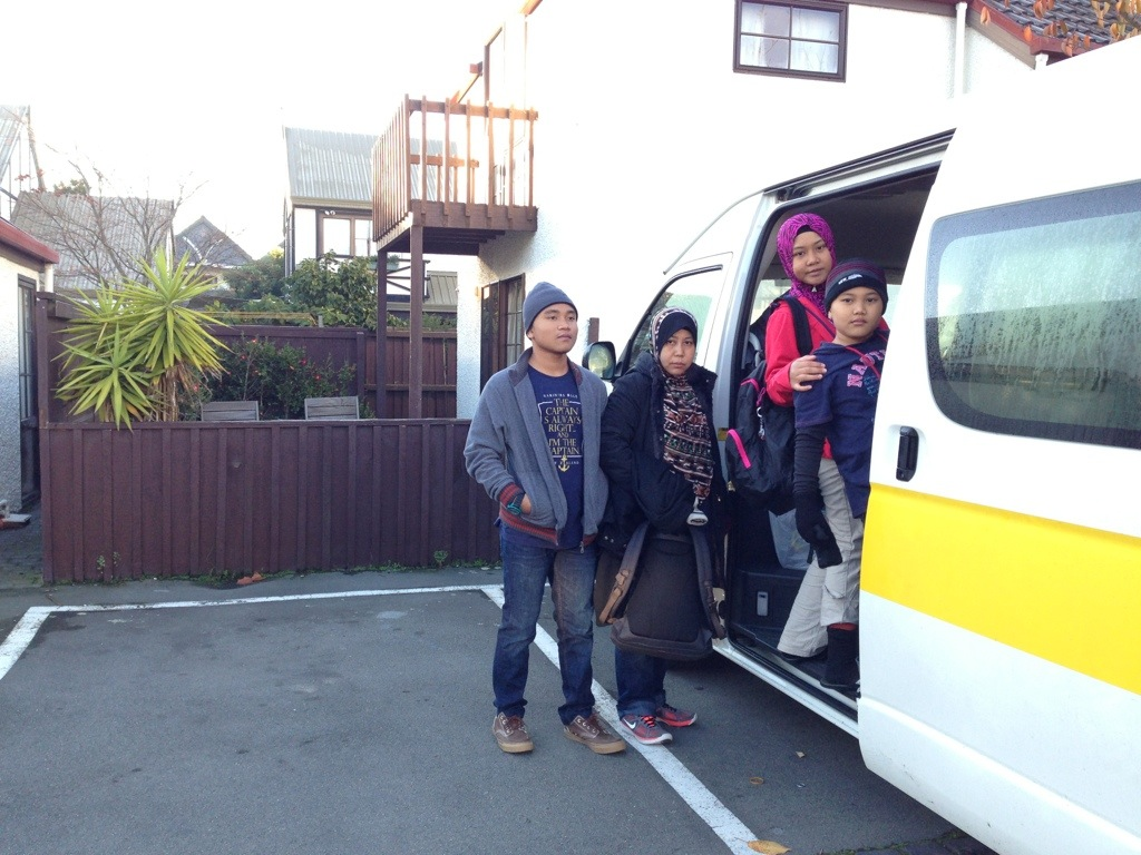 naik van di Christchurch