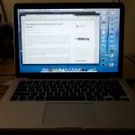 Macbook Pro Retina ini dalam suasana gelap