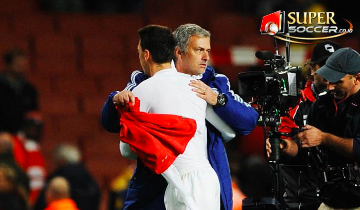 Gambar Morinho dan Ozil
