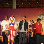 Chicky KFC dapat hadiah di MaTiC Fest 2013