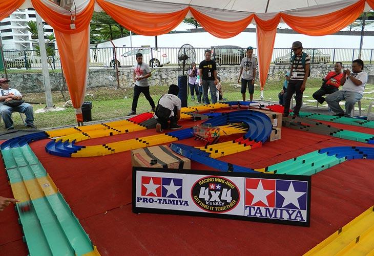 Pertandingan Kereta Tamiya di MaTiC Fest 2013