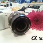 Kamera Sony Alpha5000, kamera lensa boleh ubah paling ringan di dunia