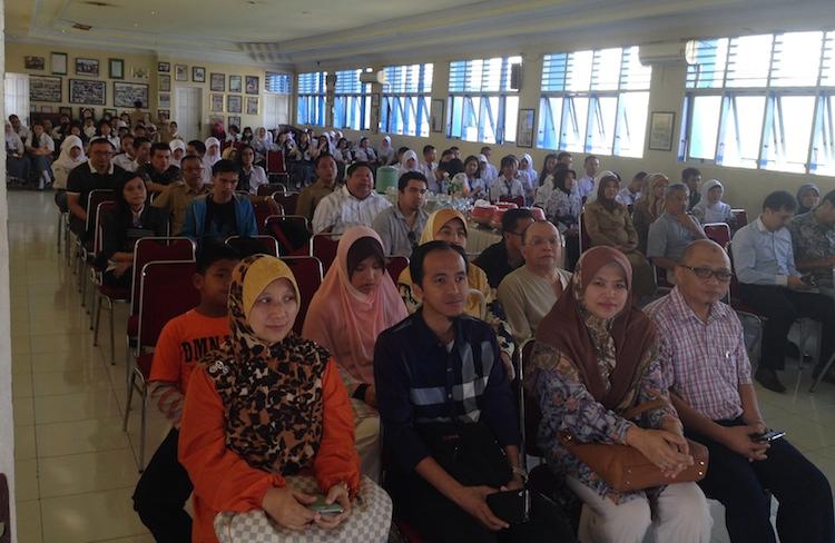 Majlis bersama pelajar di SMA Negeri 2 Makassar.