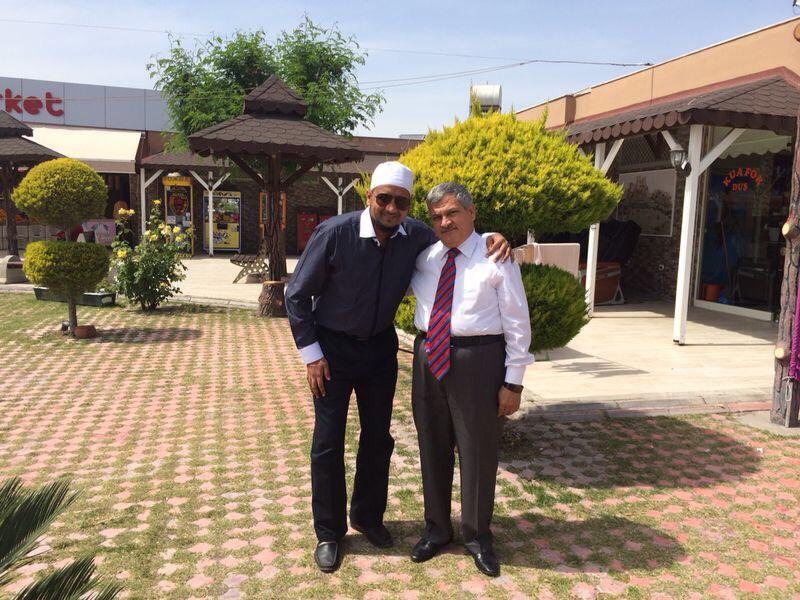 Sheikh Ibrahim bersama dengan Sheikh Zainal