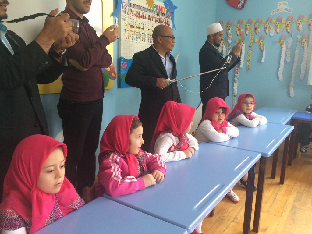 Pelajar wanita tadika MTS Konya Turki