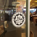 Restoran dengan logo halal jakim