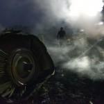 bangkai kipas pesawat MH17 hangus terbakar