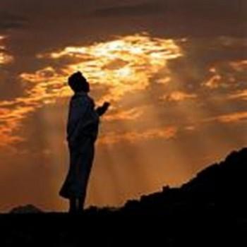 Ibu dan ayah, untuk harta dan anak… Ini doa yang diajarkan oleh Rasulullah SAW