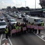Trafik di Jambatan Pulau Pinang berhenti untuk menghormati mangsa MH17