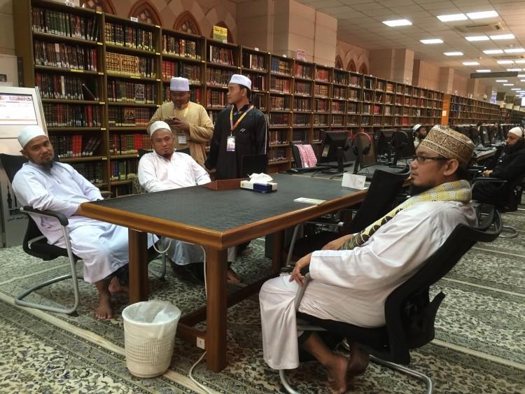 perpustakaan rujukan masjid nabawi