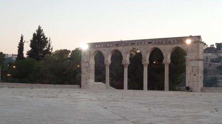 gerbang menuju ke masjid al aqsa
