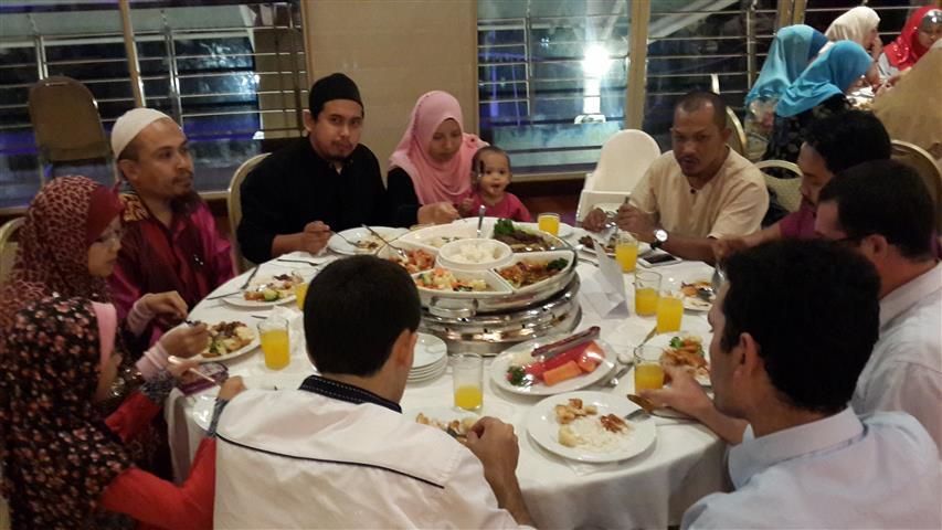 Makan Malam Kelab Tasik Putrajaya