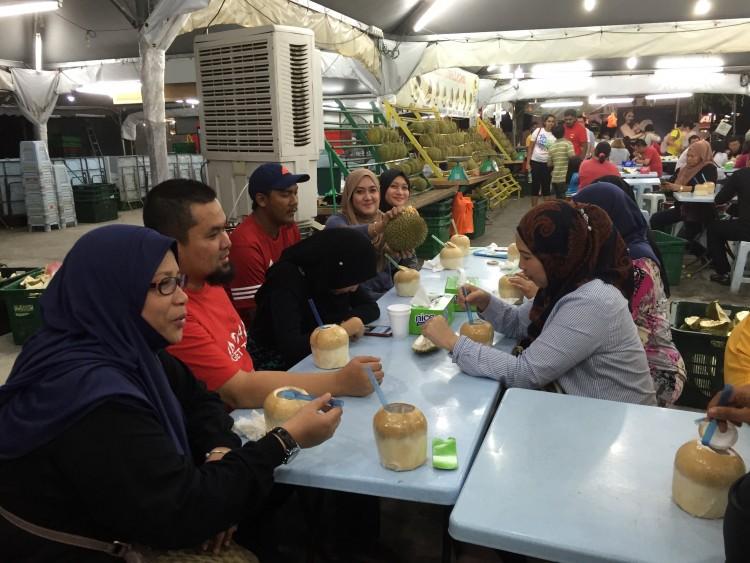 Buffet durian di SS2 Petaling Jaya