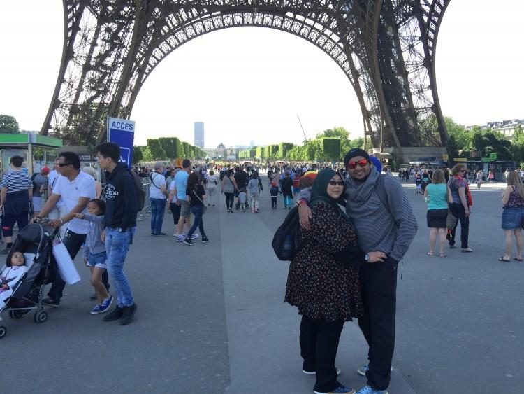 Zainal Ariffin di Eiffel Tower