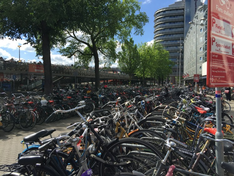 Basikal di Amsterdam