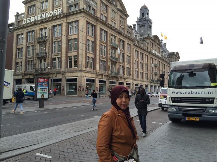 De Bijenkorf Mall Amsterdam