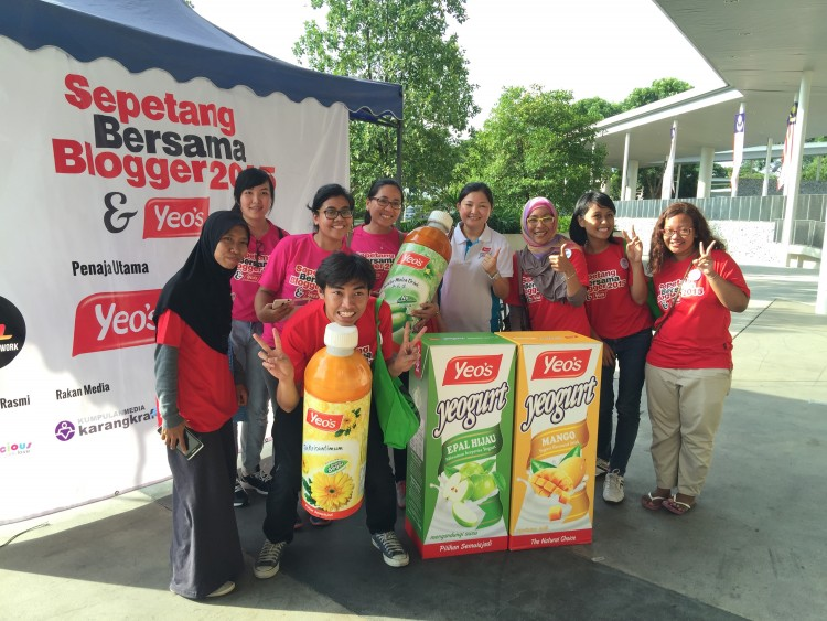 Penaja utama Yeo's Malaysia bersama Blogger Indonesia