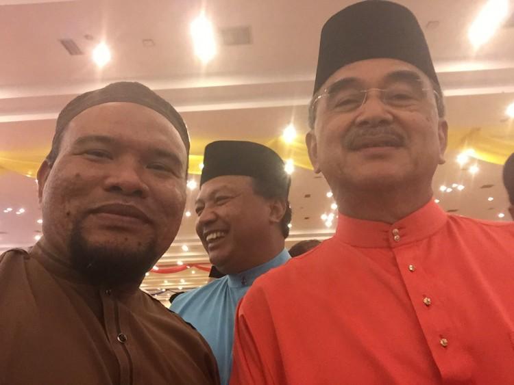 Selfie bersama DS Mohd Ali Rustam
