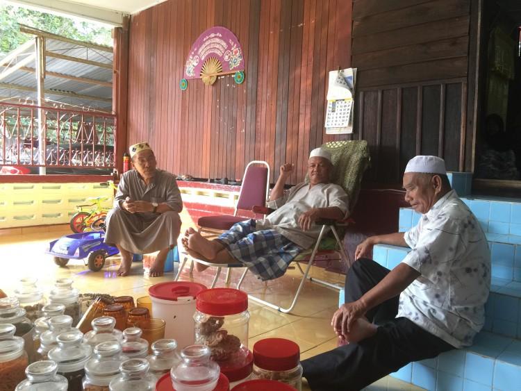 Pak Long aziz di Kundang Ulu memang setiap tahun kami ziarah.