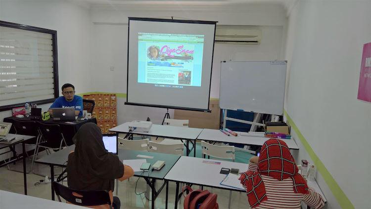 sesi perkongsian bersama Elite Blogger