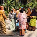 Mak Cun Bersama Orang Kampung
