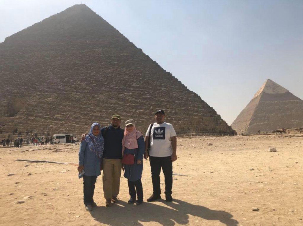 kompleks-piramid-giza-mesir